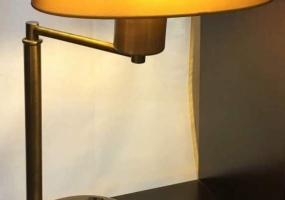 Small-Brass-Lamp-with-Plugins